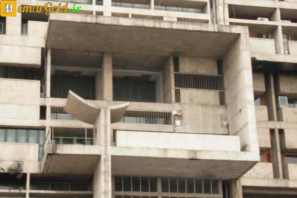 تیغه های بتنی در ساختمان سکرتریت