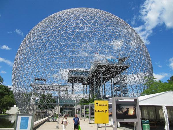 غرفه امریکا در کانادا؛ کره باکمینستر فولر معماری مدرن متاخر